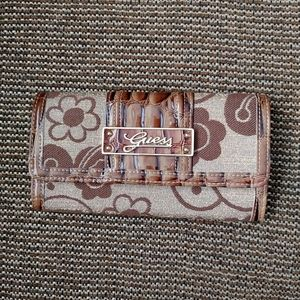 🌸3/$30🌸Guess wallet brown and beige